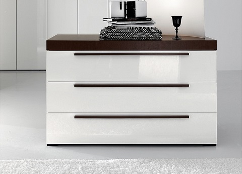 ID: HT BFC08, Wide 3 Drawer Chest