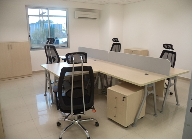HT WS22, 4-Seater Workstation in Lagos