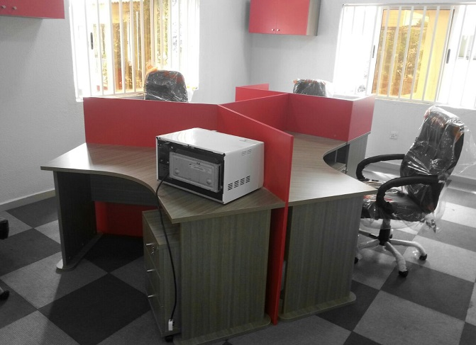 ID: HT WS33,  4 Seater Cubicle Workstation Table